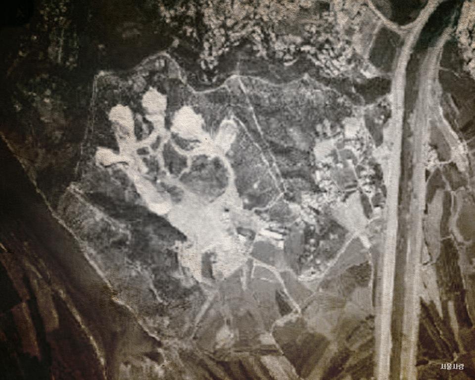 1976 상공에서 바라본 석유비축기지